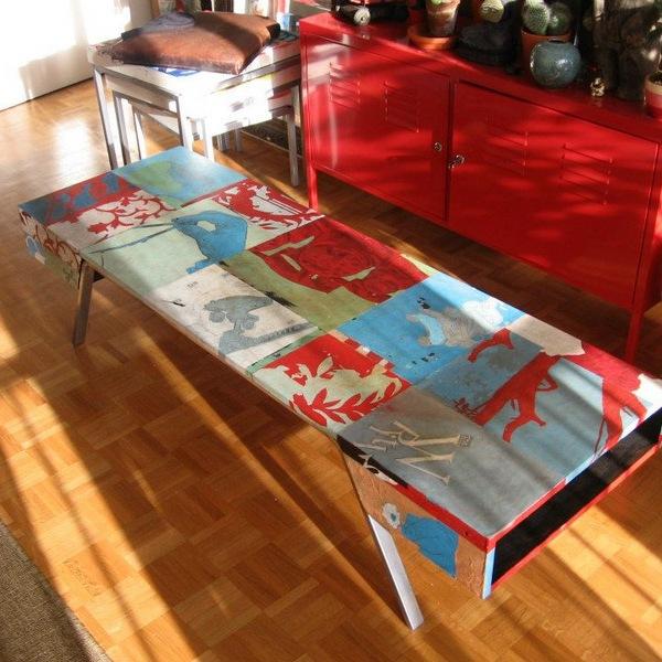 meuble bas décoré à la peinture acrylique