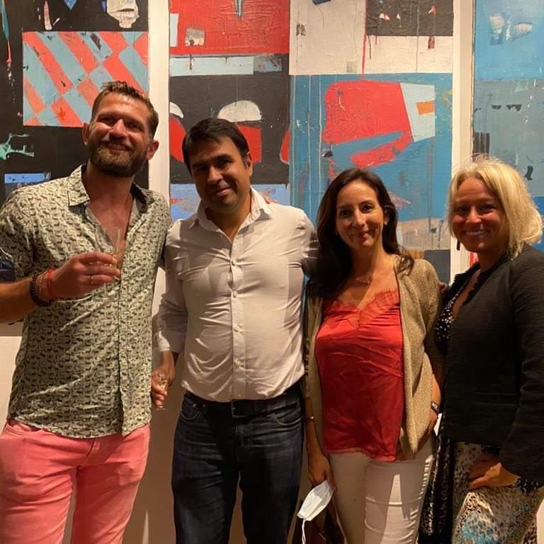 Vernissage à l'exposition à la galerie Le Cerisier